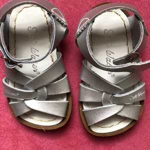 Toddler size 4 Salt Water sandals